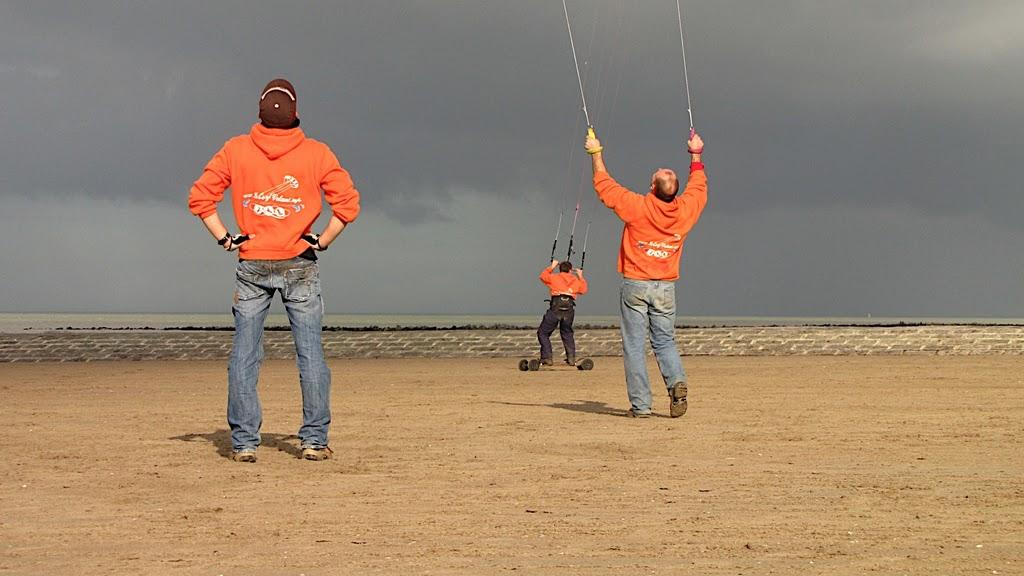 Les Hollandais du CV.info envahissent les plages Belges :-)